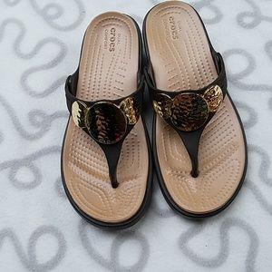Crocs Sanrah  Brown Gold Thongs